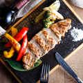 料理メニュー写真宮崎県産あじ豚と野菜のグリル 宮古島の天然塩で