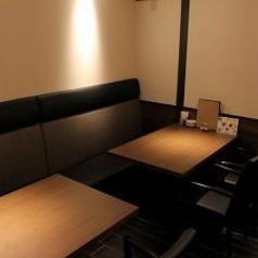 少人数でもご利用いただけるテーブル席です。