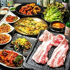 韓国料理 はんあり 新大久保店の特集写真
