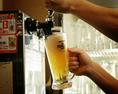 飲み放題の生ビールはプレモル使用!キンキンに冷えたビールを思う存分飲めます♪【神田駅 神田個室居酒屋 飲み放題 貸切OK 新年会 忘年会】