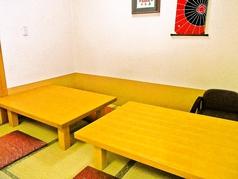 テーブルをくっつければ大人数にもご対応できます。
