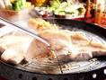 【サムギョプサルのおいしい食べ方3】両面に火が通ってきたら食べ時!!