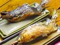 料理メニュー写真いわな塩焼き、あゆ塩焼き