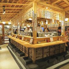 広々と開放感のある明るく綺麗な店内は飲み会、二次会などにもオススメです♪