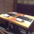 テーブルをつけて、2~4名様席にもできるテーブル席となっております。落ち着いた雰囲気で鉄板焼きをゆったりと楽しむことも可能です!夜に宴会を楽しのもいいですが、当店オススメ昼ランチ「薩摩茶美豚のランチセットもリーズナブルにお食事をお楽しみいただけます◎