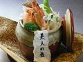 料理メニュー写真美人の壺 ~コラーゲンたっぷり~ (赤壺/黒壺)