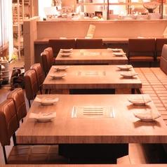 2~4名で掛けれるテーブル席。人数に合わせてご利用下さい♪