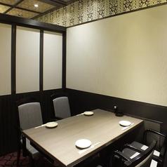 【4名様向け】テーブル席です。プライベートや親しい方とのご利用に!