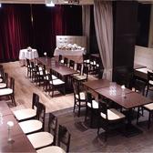 フロアー貸切着席60名様対応、店舗貸切は着席120名・立食200名対応可能。箱型会場で見渡しが抜群!お席の配置も自由自在!