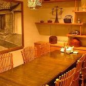 周りの目を気にせず8名まで可能な完全個室あり。少人数宴会、接待、ファミリーなどにも使われております。