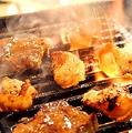 料理メニュー写真●焼肉3品とり皮、せせりみ、塩ハラミ