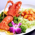 料理メニュー写真ロブスターのチリソース煮/エビの卵白仕立て/有頭海老の香り揚げ
