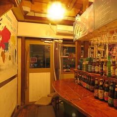 【1階】OPENから人気のカウンター!事前予約をおすすめします!人気な理由はライブ感とスタッフとワイワイしながらお酒が楽しめる空間★
