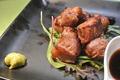 料理メニュー写真燻製中落ちカルビのサイコロステーキ
