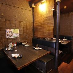 【4名様掛けテーブル席】炉端カウンター奥