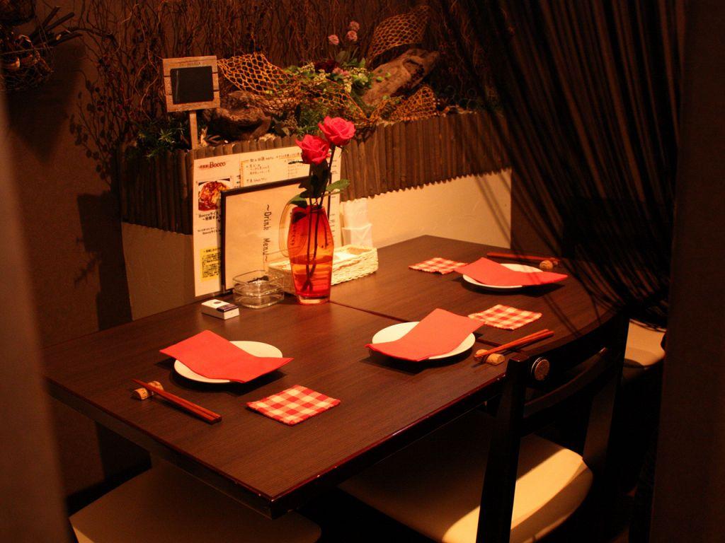 3~4名個室は仲良し同士の会話に花が咲くプライベート空間