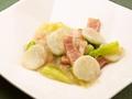 料理メニュー写真長薯とベーコンの炒め/ニンニク芽の炒め