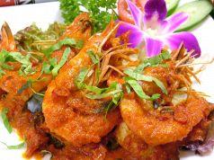 料理メニュー写真ウダンバラドゥ(海老のチリサンバルソース煮)(バリ)