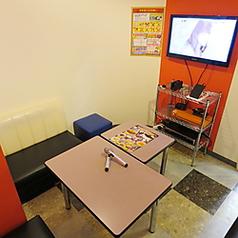 2~5名様(最大6名様)用個室です。少人数利用や仲良しメンバーとのご利用に♪そんなシーンに最適です☆