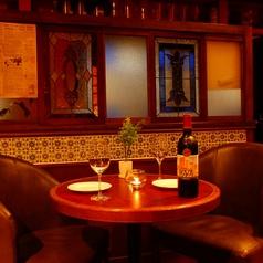◆テーブル席◆本場スペインの雰囲気を再現した店内のテーブル席です。秋葉原でのデート・誕生日会・女子会など、少人数~大人数の宴会まで様々なシーンにご利用頂けます。