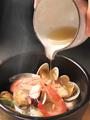 料理メニュー写真魚介(野菜)の石焼あんかけ飯