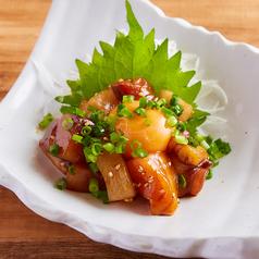 料理メニュー写真あふれる海鮮ユッケ