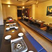20~25名様 団体宴会に人気の掘りごたつ席。最大25名様ご参加の宴会にご利用いただける掘りごたつ席の個室です。2階フロア全体を広く個室としてご利用いただけます。