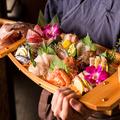 料理メニュー写真♪宴会を盛り上げる豪華特大船盛り♪