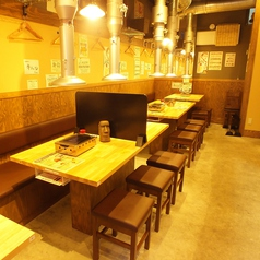 焼肉・ホルモン酒場 〇蔵の雰囲気1