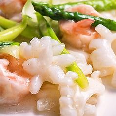 料理メニュー写真海老とイカ中国野菜の塩あん炒め
