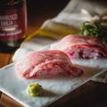 料理メニュー写真【数量限定!】神戸ビーフの炙り肉寿司 2貫