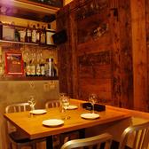 落ち着いた雰囲気の店内☆ゆったりとお食事をお楽しみいただけます♪人数に合わせてテーブルも動かせます◎ご要望などお聞かせください!