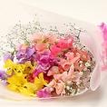 <花束代行サービス(1500円 税抜)>お客様の代わりにお花をご用意いたします。ご希望日にお店にお花が届きます。歓送迎会・記念日に是非ご利用ください。※ご予約日の前日まで承ります。ご予約はお電話でのご予約時にお申し付けください。
