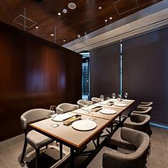 人数に応じた3つの半個室をご用意。圧迫感のない空間は記念日、会食など様々なシーンでご利用いただけます