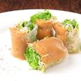 【人気メニュー:ウニの生春巻き】その他、シェフの逸品料理も多数。季節ごとのお料理もご提供いたします。