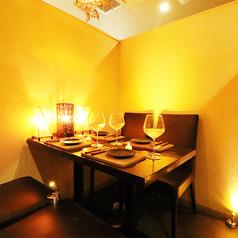 個室で肉バル お肉で宴会 新宿西口店の雰囲気1