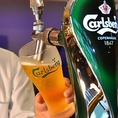 ビールは10種類★カールスバーグのサーバーは毎日丁寧に洗浄しているので澄み切った美味しさをお楽しみいただけます!その他、ヒューガルデン、コロナ、ハイネケン、ギネス等の人気のビールを揃えております♪