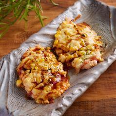 料理メニュー写真ササミ生地のオリジナルピザ
