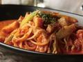 料理メニュー写真アスパラとベーコンのトマトクリームパスタ