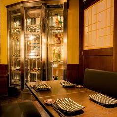 テーブル席女性に人気のお部屋でサプライズ対応可!ご希望があれば、なんなりとお申し付け下さいませ。誕生日や記念日にうってつけです。大宮/居酒屋/個室/接待/宴会/ご家族/女子会/記念日/個室/忘年会