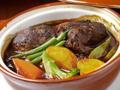 料理メニュー写真じっくり煮込んだ十勝和牛のシチューとハンバーグ(75g)