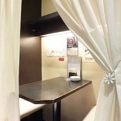 カーテン個室!!カップルにも女子会にも人気の『カーテン個室』!周りを気にせず、自分たちの空間を満喫できる♪