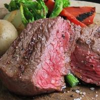 お肉料理も種類豊富にご用意しております♪