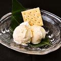 料理メニュー写真バニラアイス/黒ゴマアイス