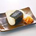 料理メニュー写真おにぎり 【鮭/梅】