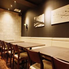ご家族やお友達とのお食事に便利なテーブル席をご用意しております☆
