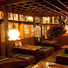 4名様までご着席頂けるテーブル席となっております。昭和を感じるどこか懐かしい空間で美味しい料理をご堪能下さい。