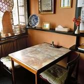テーブル席のご用意もございます。蔵座敷側にも1つテーブル席ございます。