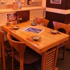 テーブル席は毎日、常連様でワイワイ賑わっています!!田町の人気沖縄料理 青空☆年末は特に予約必須ですよ~!!