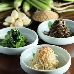 料理メニュー写真●もやしナムル ●小松菜ナムル ●ぜんまいナムル ●ナムル3種盛り